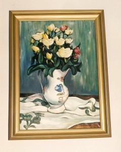 Róże w białym wazonie
